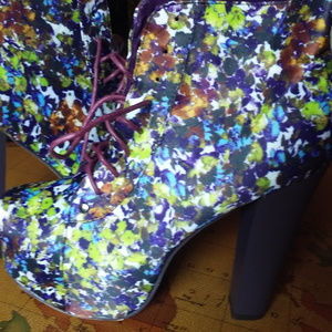 NEW Floral Print Chunky Heel Booties